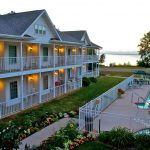 Bay Breeze Resort - waterfront resort in Door County